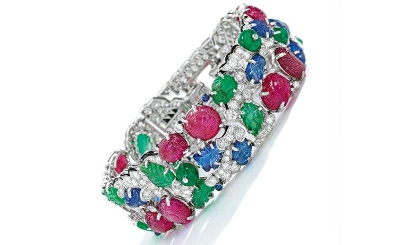 Les ventes aux enchères en ligne de bijoux vintage ont pulvérisé les records pendant le confinement