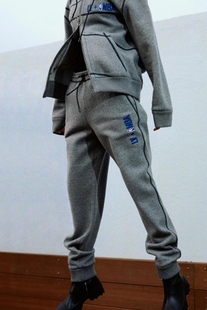 Pantalon en cachemire et coton felpa LV×NBA, Louis Vuitton, 1500€.