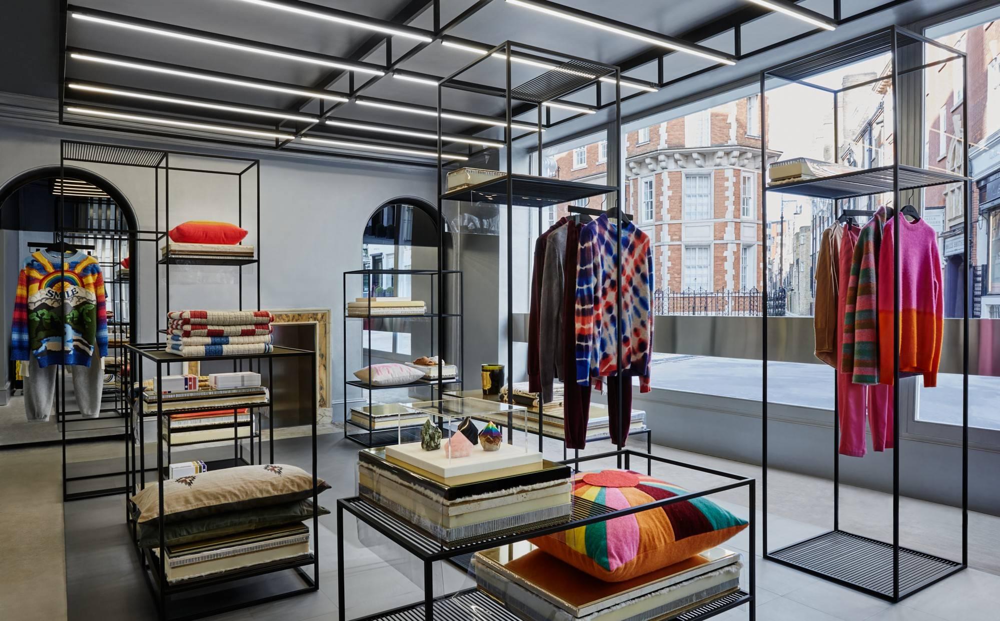 En images : Browns dévoile un flagship à la pointe de l'«experiential retail»