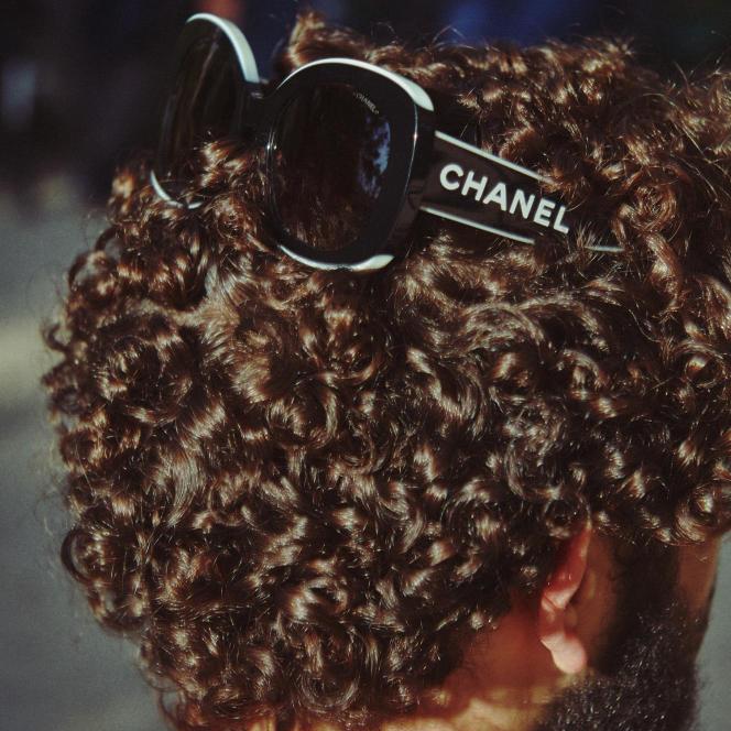 Lunettes de soleil en acétate, Chanel.